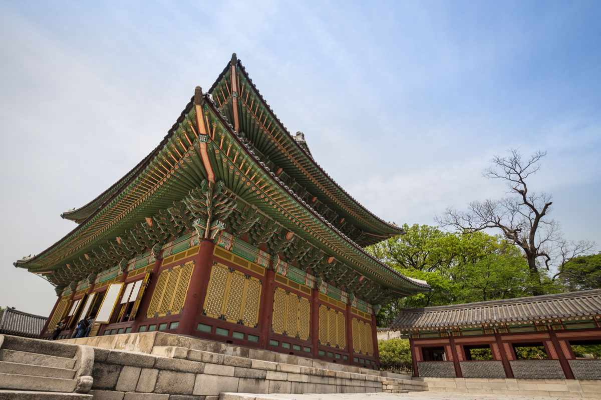 CHANGDEOKGUNG-temple