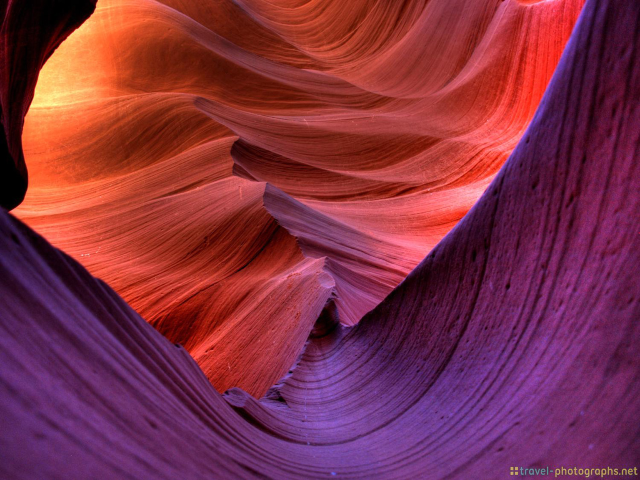 antelope-canyon-photos-violet-colors