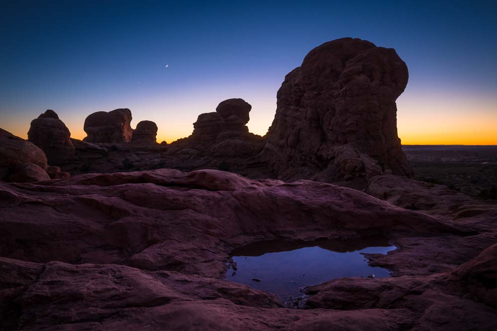 arches-national-park-after-dark