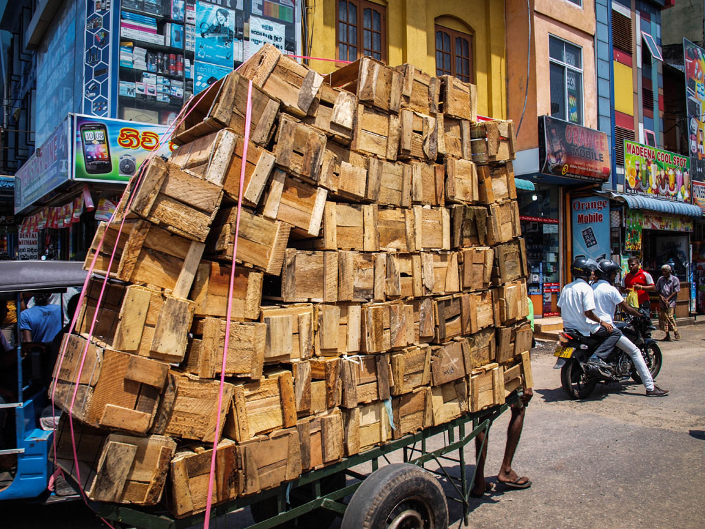 boxes on a wagon in colombo streets