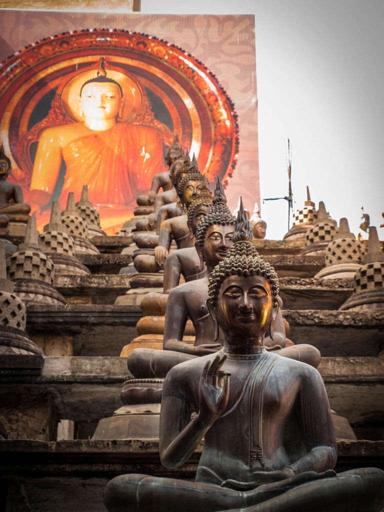 buddhas gangaramaya temple