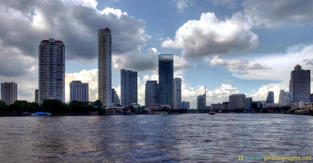 chao phraya river seen from chatrium hotel riverside