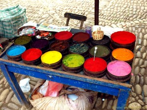 colors-of-peruvian-pisac-market