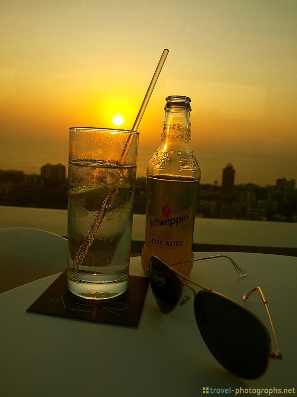 gin-tonic-four-seasons-rooftop-bar-mumbai-india