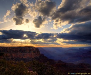 grand-canyon-photos-at-cloudy-sunset