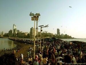 haji-ali-mumbai-path-india-mosque