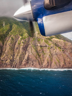 landing at saba close pass by the coast
