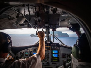 landing at saba airport cockpit view