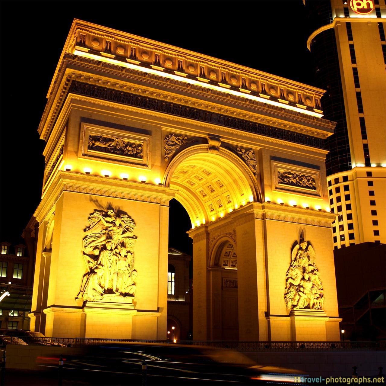 las-vegas-photos-hotel-paris-arc-triomphe