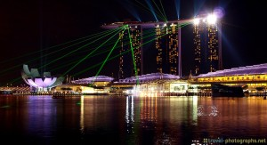 marina-bay-sands-singapore-skyline-lightshow