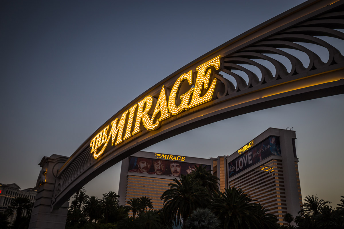 mirage sign vegas