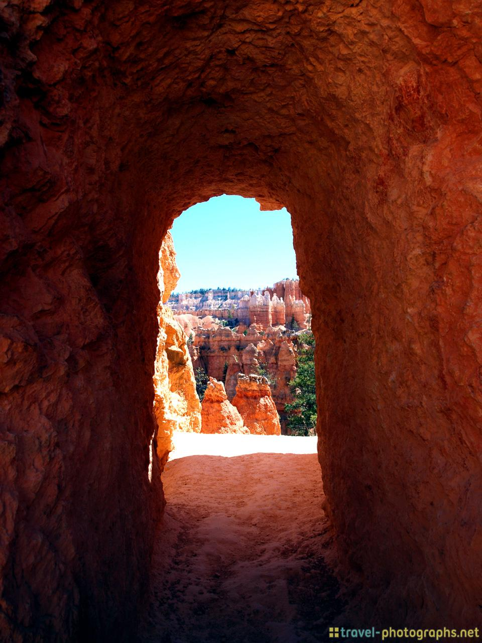 natural-tunnel-bryce-canyon-photos