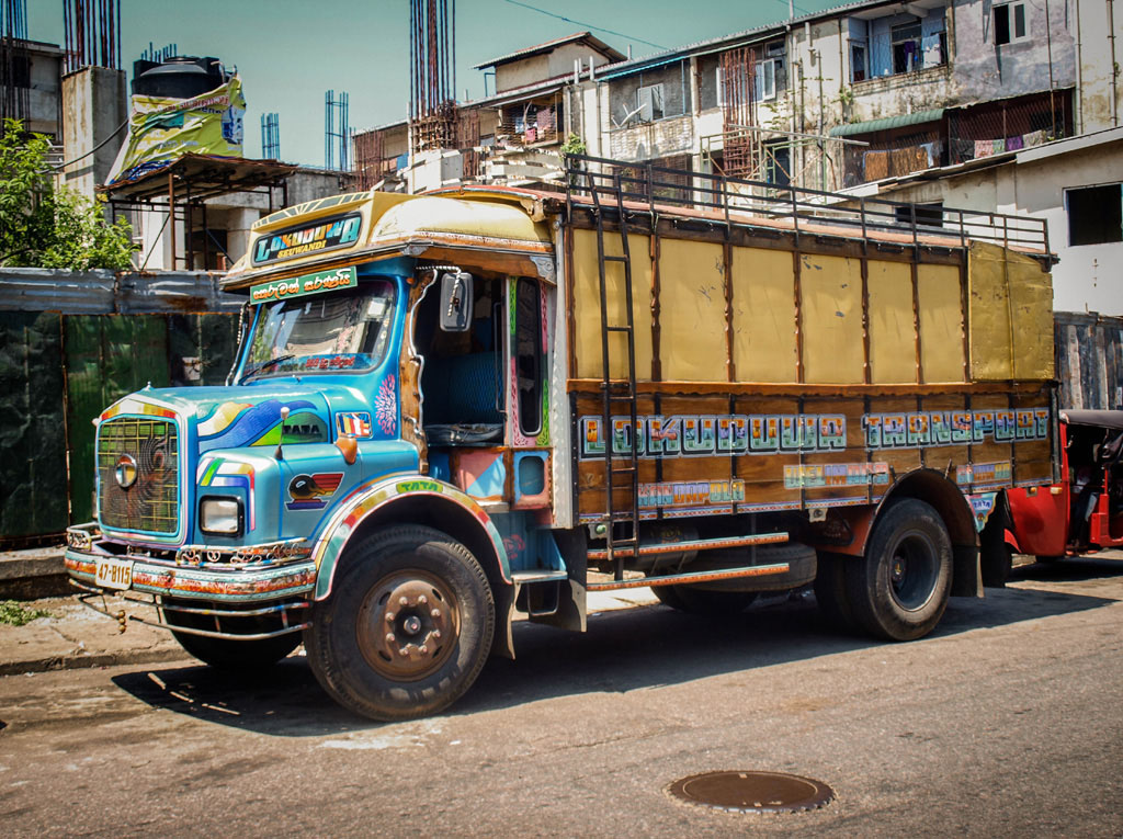 painted truck in the streets of colombo