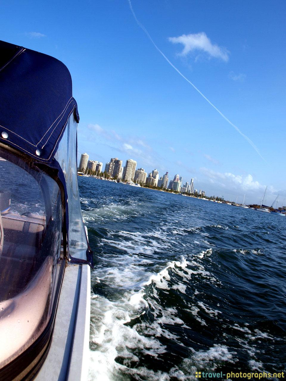 private-boat-trip-through-surfers-paradise-australia