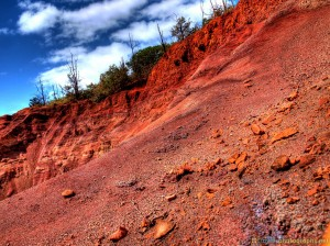 red-sand-waimea-canyon-hawaii-hdr