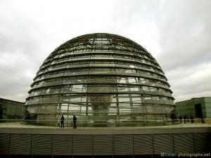 reichstag-kuppel-berlin-germany-bundestag