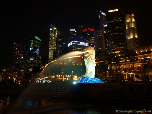 singapore-lion-skyline-at-night
