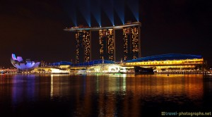singapore-marina-bay-sands-skyline-at-night