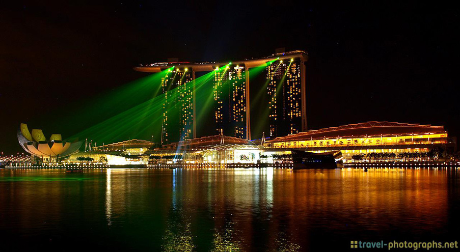 singapore-marina-bay-sands-skyline-lights