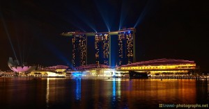 singapore-marina-bay-skyline-lightshow