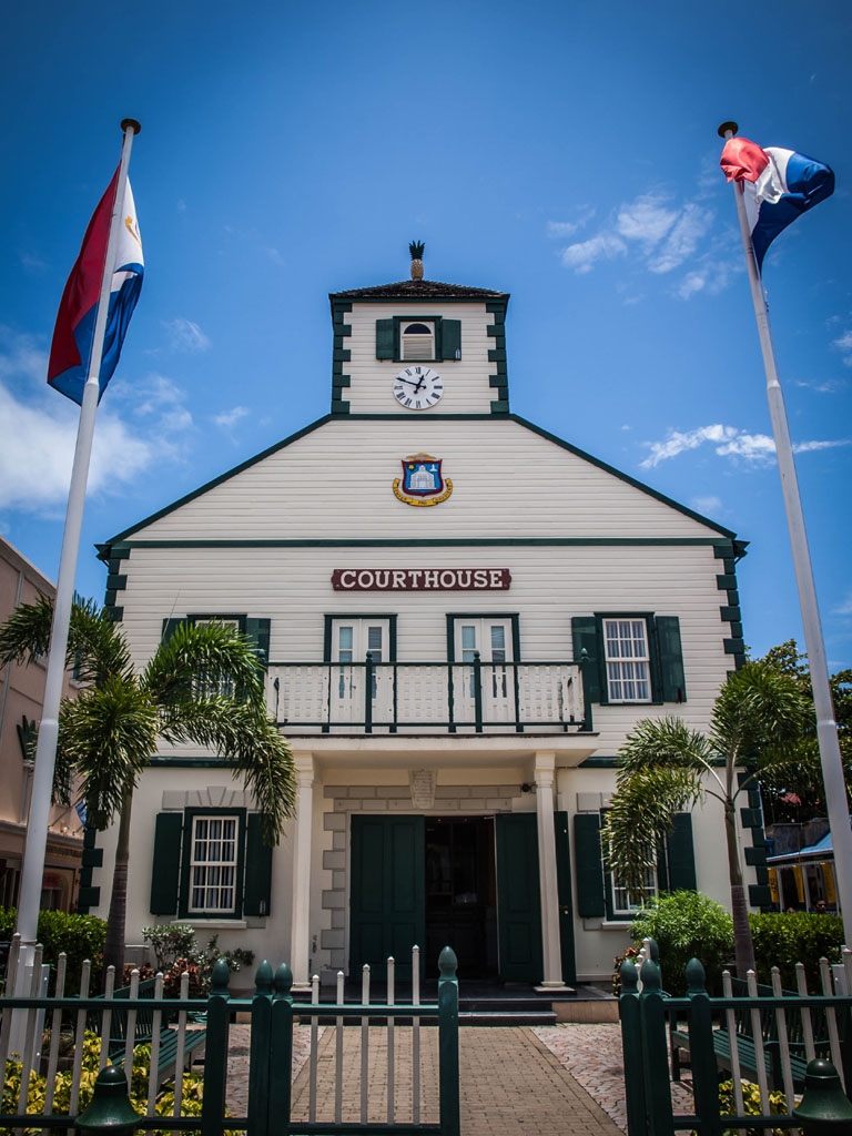 st. maarten photos of courthouse in philipsburg