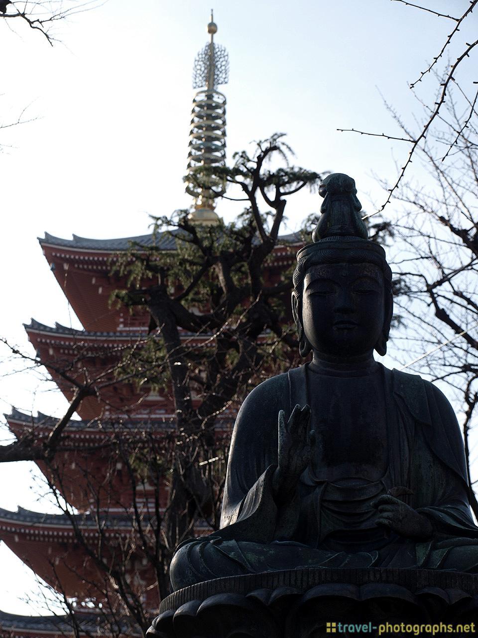 statue-asakusa-senso-ji-tokyo-photos