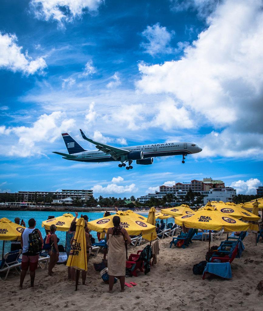 us-airways-plane-landing-at-st-maarten